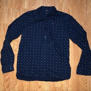 Boys Tommy Hilfigre button down shirt. In EUC